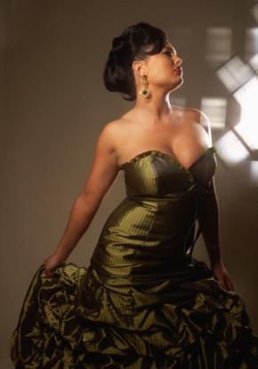 Elegancka suknia wieczorowa